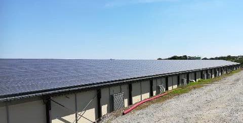 Panneaux solaires sur toiture en surimposition