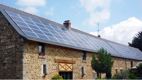 Panneaux photovoltaïques intégrés en toiture